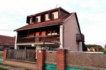 Jánoshalma családi ház eladó, Kiss Ernő utca 76., 4+2 szobás
