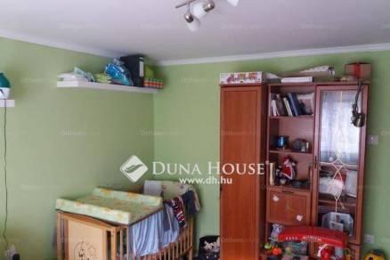 Tatabányai családi ház eladó, 43 négyzetméteres, 1 szobás