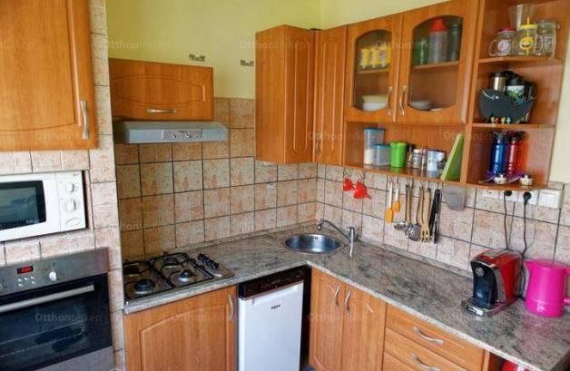 Eladó lakás Kispesten, 1+2 szobás
