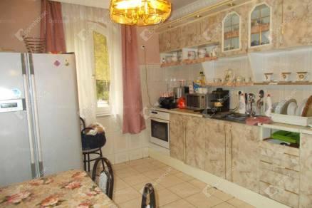 Eladó 7 szobás családi ház Tatabánya