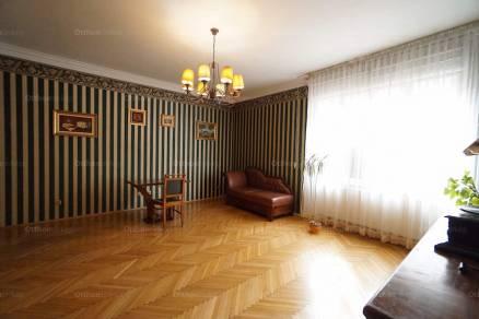 Budapesti eladó lakás, Újlakon, Repkény utca