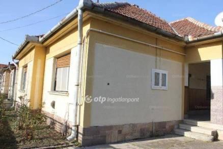 Jászárokszállási eladó családi ház, 2 szobás