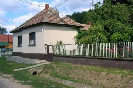 Eladó családi ház Pamuk, 2+1 szobás
