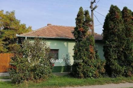Békésszentandrási eladó családi ház, 3 szobás