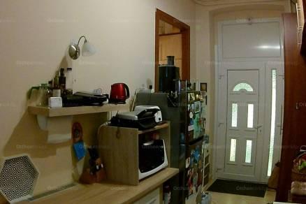 Eladó lakás Erzsébetvárosban, a Damjanich utcában 25-ben, 3 szobás