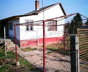 Debreceni nyaraló eladó a Boros utcában, 35 négyzetméteres
