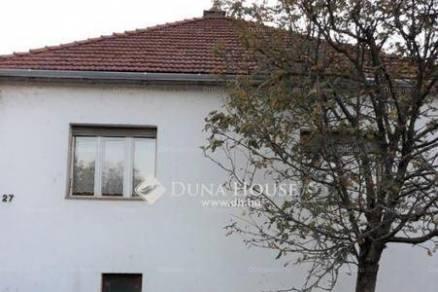 Eladó 3 szobás családi ház Bajót
