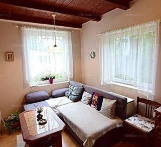 Eladó családi ház Árpádföldön, XVI. kerület Árpádföldi út, 2 szobás