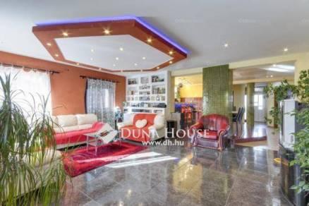 Gödi eladó családi ház, 4+1 szobás, a Vadőr utcában
