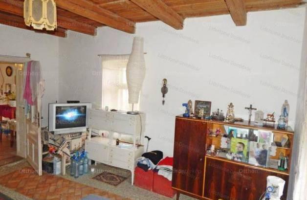 Szakcs családi ház eladó, 2 szobás