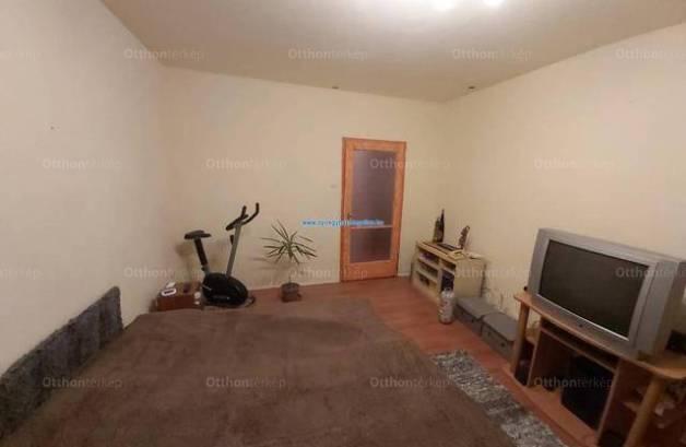 Nyíregyházai eladó lakás, 2+2 szobás, 62 négyzetméteres