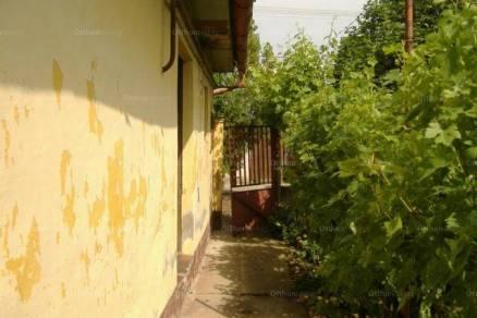 Családi ház eladó Csongrád, a Nádor utcában, 100 négyzetméteres