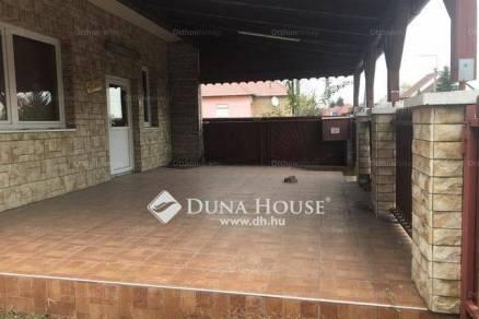 Családi ház eladó Hort, 400 négyzetméteres