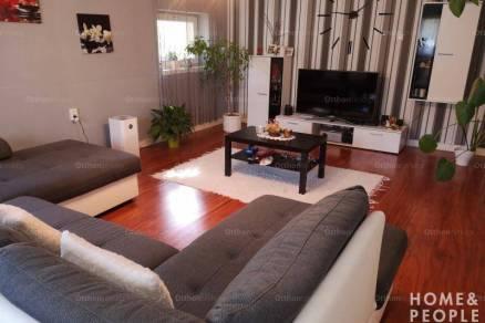 Eladó családi ház Balástya, 4+2 szobás