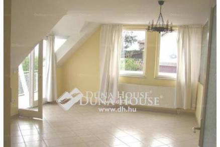 Pécs 3 szobás lakás kiadó a Hegyalja utcában