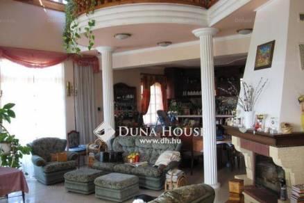 Budaörsi eladó családi ház, 10 szobás