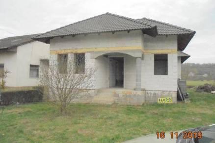 Gyúrói új építésű családi ház eladó, 170 négyzetméteres