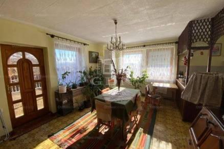 Rád családi ház eladó, 4+1 szobás