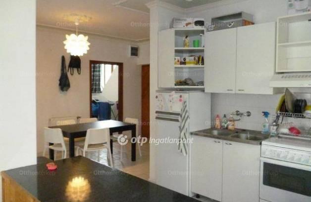 Balatonlellei lakás eladó, 93 négyzetméteres, 3+1 szobás