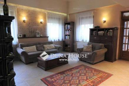 Eladó családi ház Kecskemét, 3+2 szobás