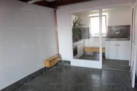 Eladó lakás Pécs, 2+4 szobás