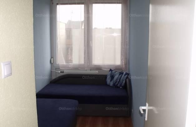 Eladó lakás Gárdony, Szabadság út, 1+1 szobás