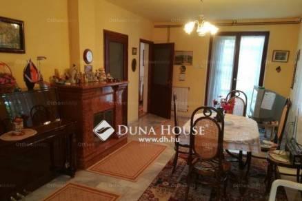 Velencei eladó nyaraló, 2+3 szobás, 110 négyzetméteres