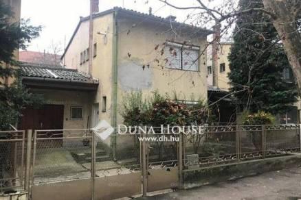 Eladó 2 szobás sorház Pécs az Árnyas úton