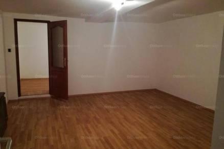 Eladó házrész, Békéscsaba, 2 szobás