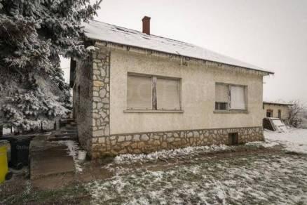 Eladó 4 szobás családi ház Aszaló