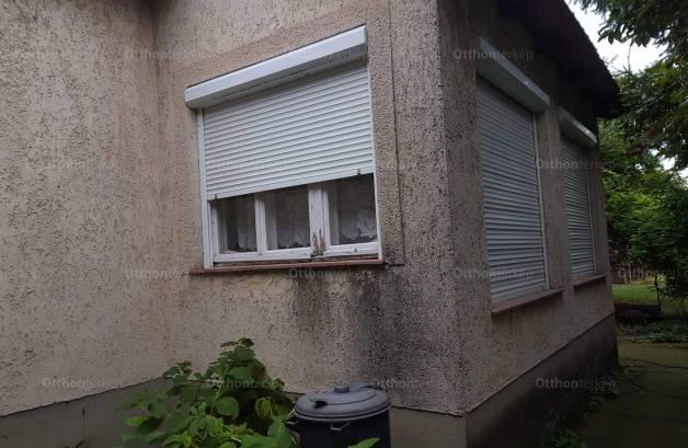 Szentes, Róna utca 2.
