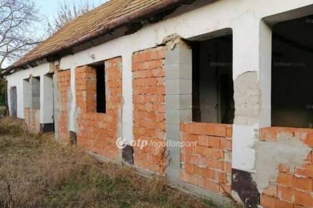 Kiskőrösi családi ház eladó, 75 négyzetméteres, 1+1 szobás