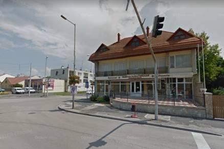 Siófok, Fő utca 136.
