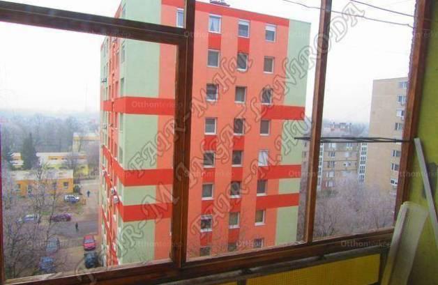 Eladó lakás Hódmezővásárhely, Csengettyű köz, 2+1 szobás