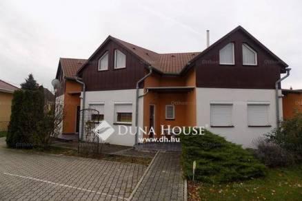 Eladó családi ház Bük, 8+1 szobás