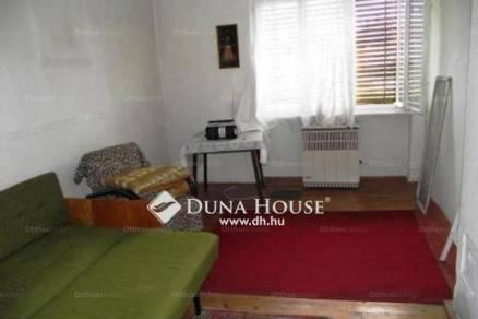 Harasztifalui eladó családi ház, 2 szobás, a Fő utcában