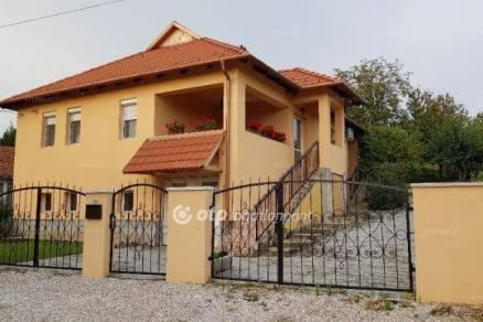 Miskolc eladó családi ház a Május 1. telepen