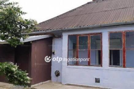 Alsózsolca eladó családi ház az Arany János úton