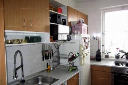 Eladó 3 szobás lakás Baja