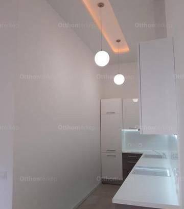 Budapesti eladó lakás, 3+1 szobás, 130 négyzetméteres