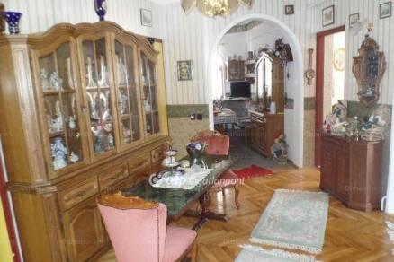 Miskolc családi ház eladó, Görömbölyi út, 6 szobás
