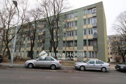 Tatabányai eladó lakás, 1+2 szobás, a Béla király körtéren