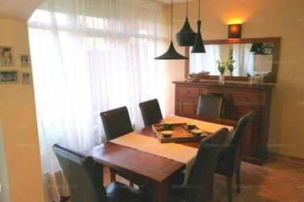 Debreceni sorház eladó, 123 négyzetméteres, 3+1 szobás