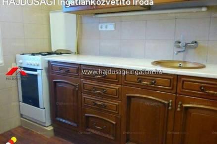 Debreceni lakás kiadó, 80 négyzetméteres, 2 szobás