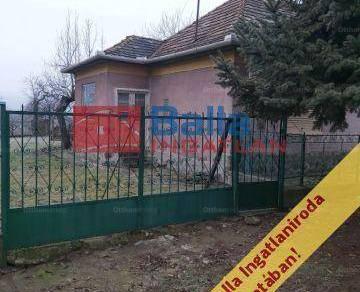 Eladó családi ház Kisnána a Sport utcában, 2 szobás
