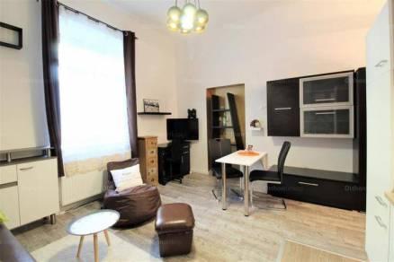 Pécs lakás kiadó, Jogász utca, 1 szobás