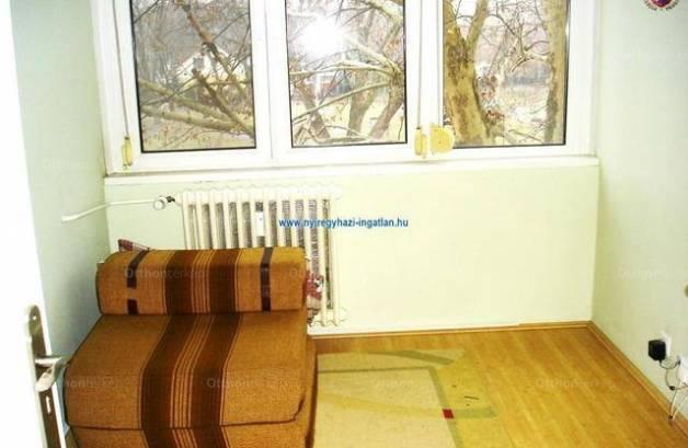Nyíregyházai eladó lakás, 2 szobás, 49 négyzetméteres