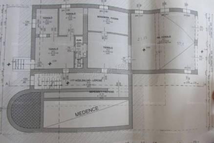 Családi ház eladó Budaörs, az Acél utcában, 300 négyzetméteres