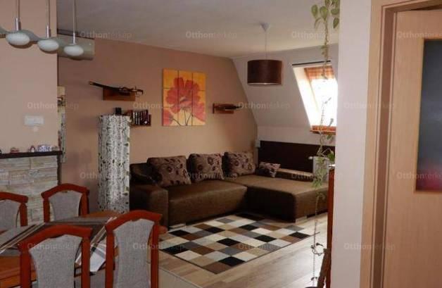 Eladó, Székesfehérvár, 2 szobás