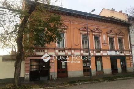 Szeged eladó lakás a Mars téren